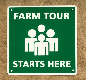 Farm tour starts here sign